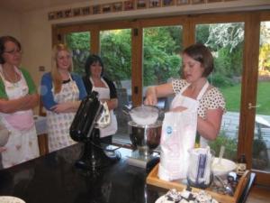 Cupcake Class, Making Buttercream